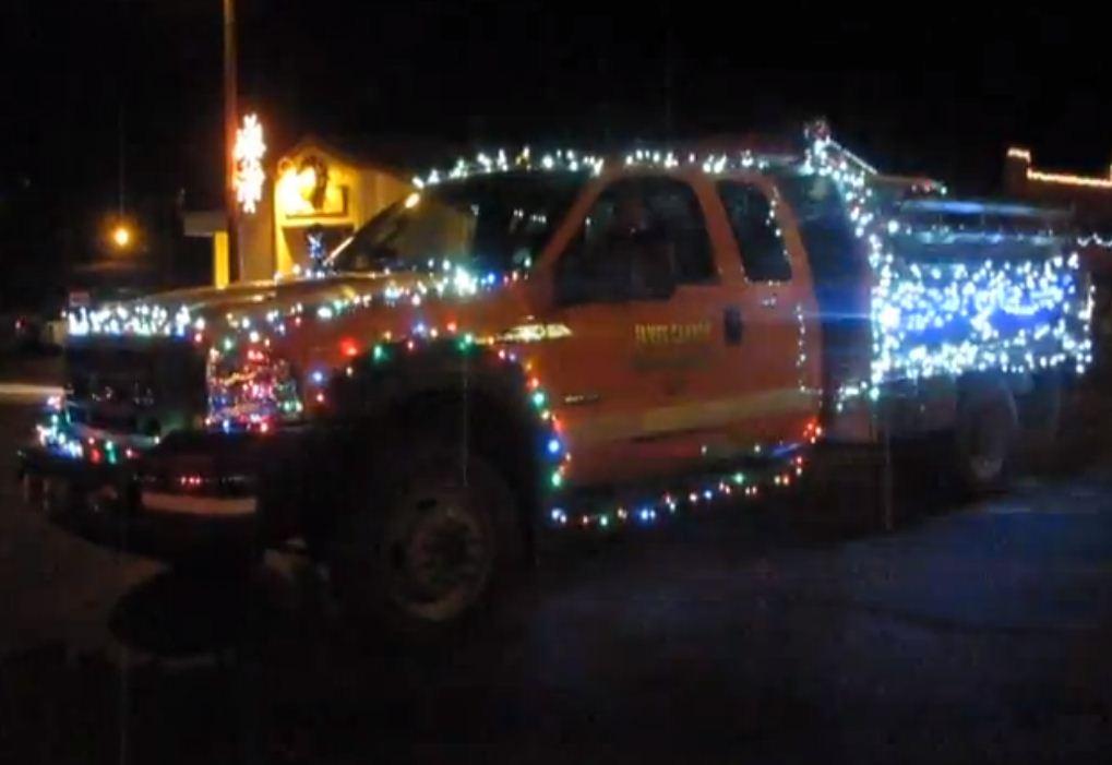Christmas Light Firetruck - Christmas Light Firetruck - F150online.com