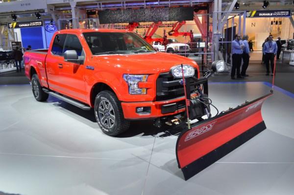 2015-Ford-F150-FX4-Snowplow (2)