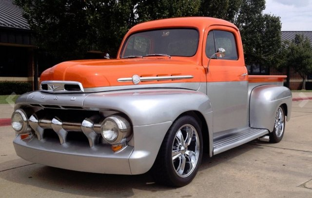 1952 Ford F1 Front