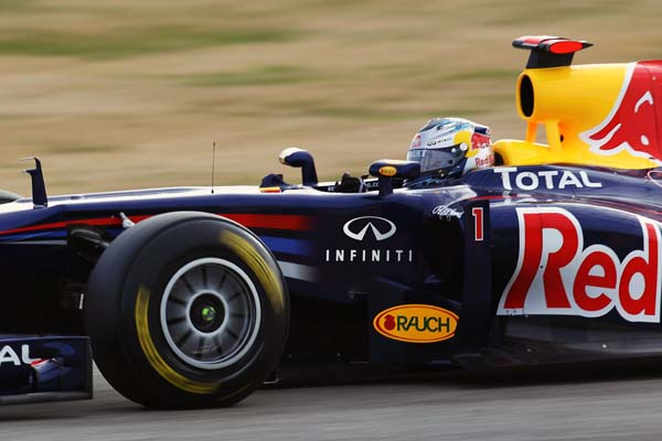 Vettel rodando en los test de pretemporada, ya con Infiniti
