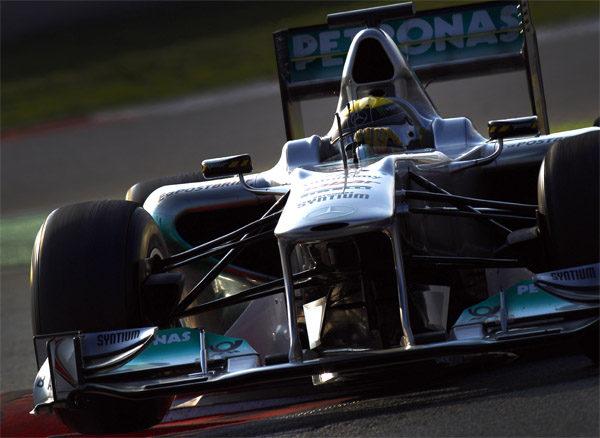 Rosberg rodando por el circuito de Montmeló