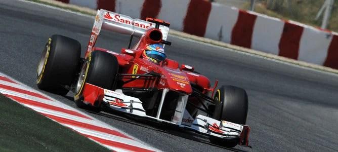 Alonso rodando en el circuito de Montmeló
