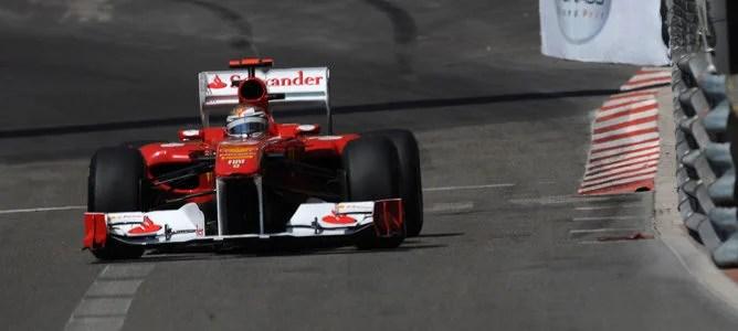 Alonso rodando en los Libres 3 de Mónaco
