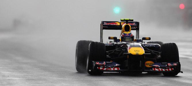 Webber rodando en los Libres 1 de Silverstone