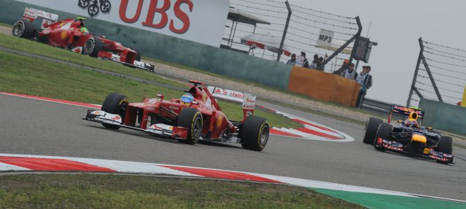 Alonso rodando en la carrera de China