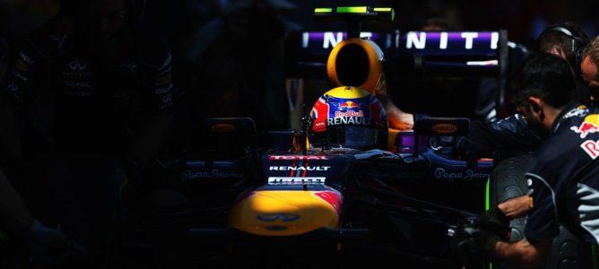 Webber realizando un pit-stop