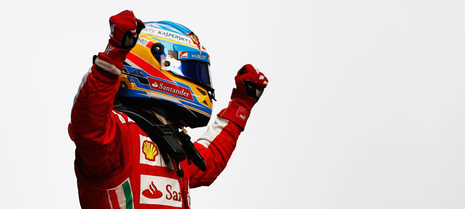 Alonso celebrando su victoria
