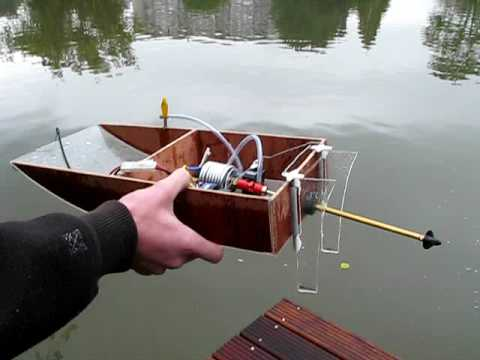 Self made electric RC boat run #2