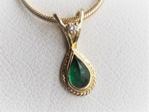 Handmade 18k Yellow Gold Emerald Pendant with Diamond Accent