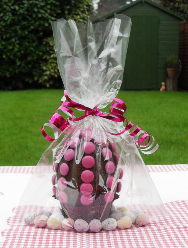 Budget, Filled Easter Egg, Smarties, Speckled Eggs, Dark Chocolate, Milk Chocolate