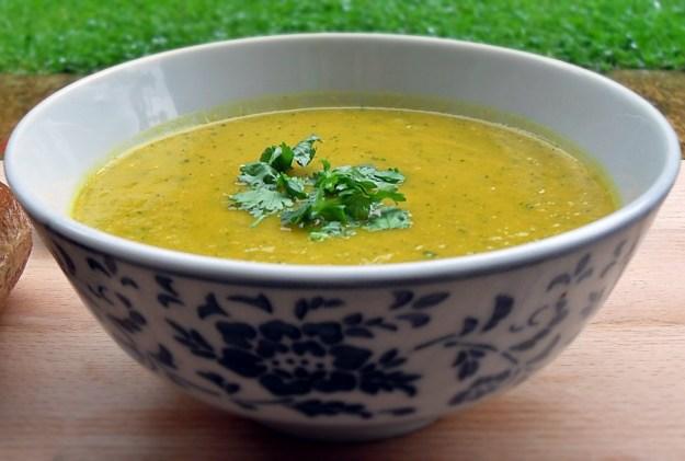 Carrot & Coriander Soup, Vegetarian, healthy, low fat