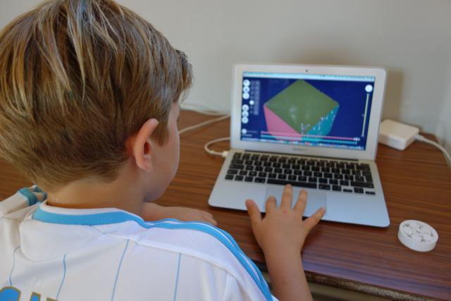 Enfant de 8 ans sur 3DSlash