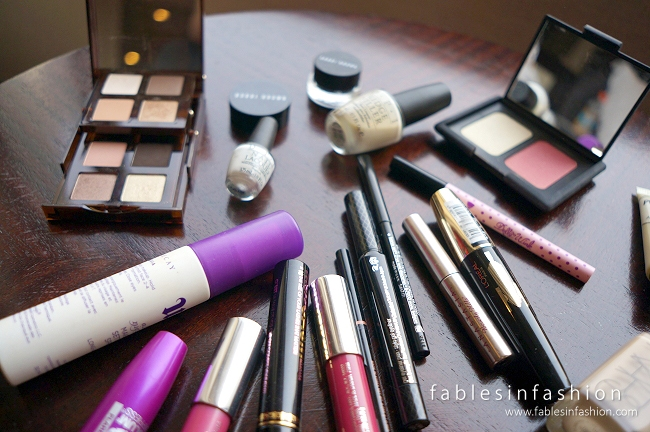 What's in my Travel Makeup / Skincare Bag 2014