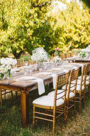 Long Weddng Tablescape in The Peach Orchard | Photography : marymargaretsmith.com | https://www.fabmood.com/a-cozy-fall-wedding-in-the-peach-orchard #peach #fallwedding