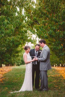 A Cozy Fall Wedding Ceremony in The Peach Orchard | Photography : marymargaretsmith.com | https://www.fabmood.com/a-cozy-fall-wedding-in-the-peach-orchard #peach #fallwedding