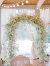 Baby's Breath arch for Winter wedding ceremony decoration | Light Blue Winter Wedding Read more Real Winter Weddings | fabmood.com #winterwedding