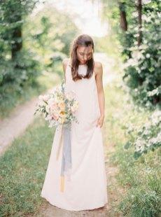 Cozy and Intimate Rustic Wedding | Photography : yuriyatel.com | read more: fabmood.com