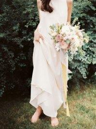 bridal bouquet   Cozy and Intimate Rustic Wedding   Photography : yuriyatel.com   read more: fabmood.com