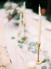 Cozy and Intimate Rustic Wedding | Photography : yuriyatel.com | read more: fabmood.com