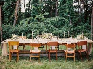 Rustic outdoor wedding reception   Cozy and Intimate Rustic Wedding   Photography : yuriyatel.com   read more: fabmood.com