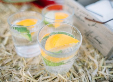 Welcome drinks at Eco-friendly Natural,Boho Hippie Chic Wedding | fab mood