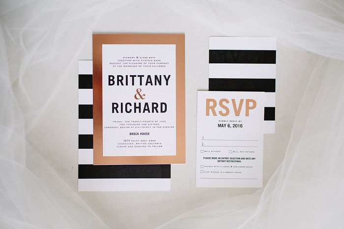 Modern black , white and gold striped wedding invitations for garden wedding | fabmood.com #weddinginvitation #blackandwhite #blackwhiteweddinginvites