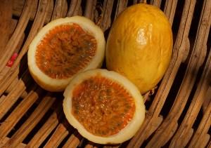 Passiflora edulis flavicarpa (Maracuja)- fructe coapte