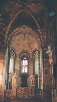 Le chœur occidental romano-ogival.