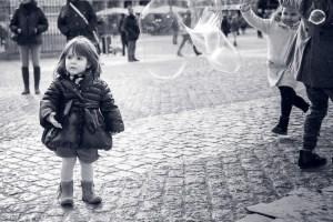 Photo bébé avec des bulles
