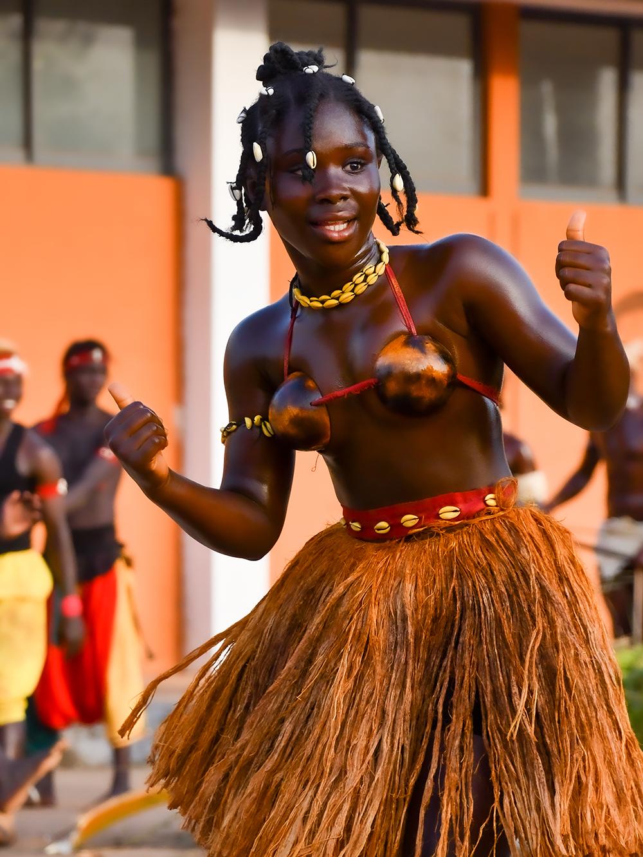 Carnevale di Guinea Bissau, le ragazze delle Bijagos