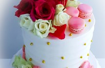Buttercream Cake with Flowers and Macaroons