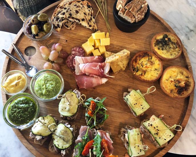 Review: Anne&Max Den Haag Fahrenheit Mimosa High wine lunch menu