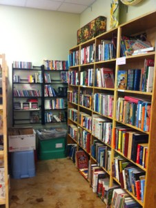 Fab-Finds-Flagler-Hammock-Thrift-Store-Books