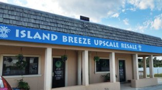 Fab-Finds-Island-Breeze-Upscale-Resale-Store-front