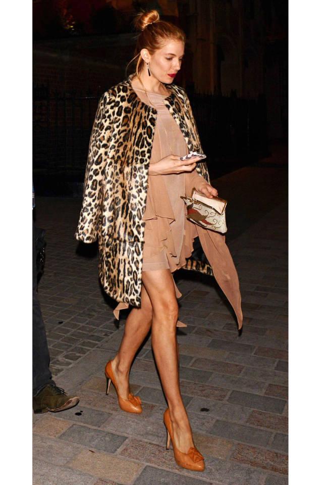 Sienna Miller rockin leopard print.