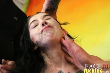 Face Fucking Milla Fenix 2