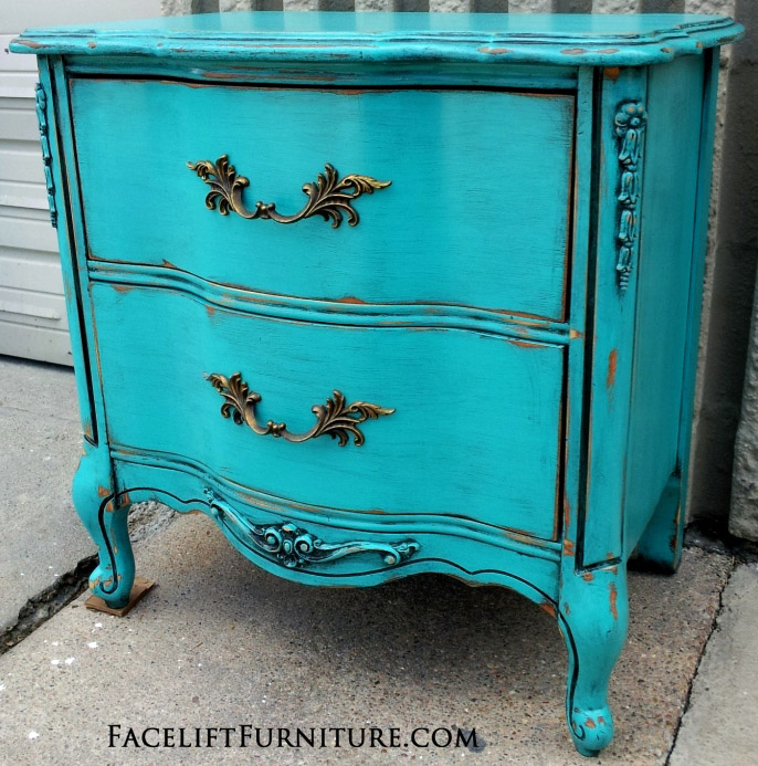 Turquoise French Nightstand - Before & After. Facelift Furniture DIY Blog.