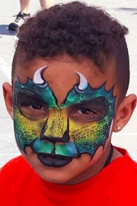 Kroger Dragon face paint Cino De Mayo Fountain Square Cincinnati Ohio