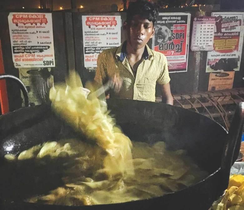 Cassava chips in the fryer