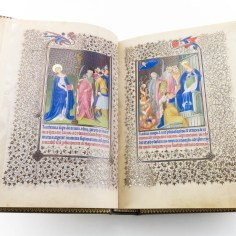 Double page featuring two miniatures from the Belles Heures