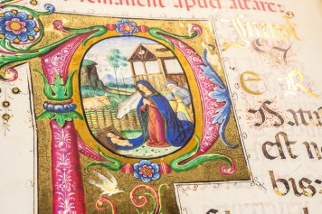 Detail of historiated letter containing Nativity scene