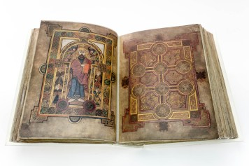 Double page opening of Book of Kells