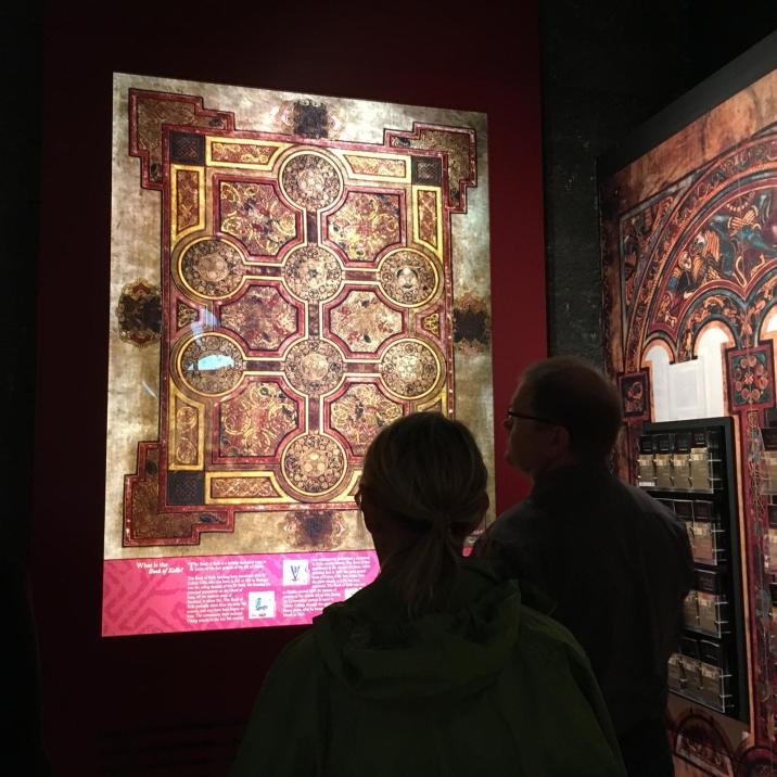 Kells' exhibition - Facsimile Finder