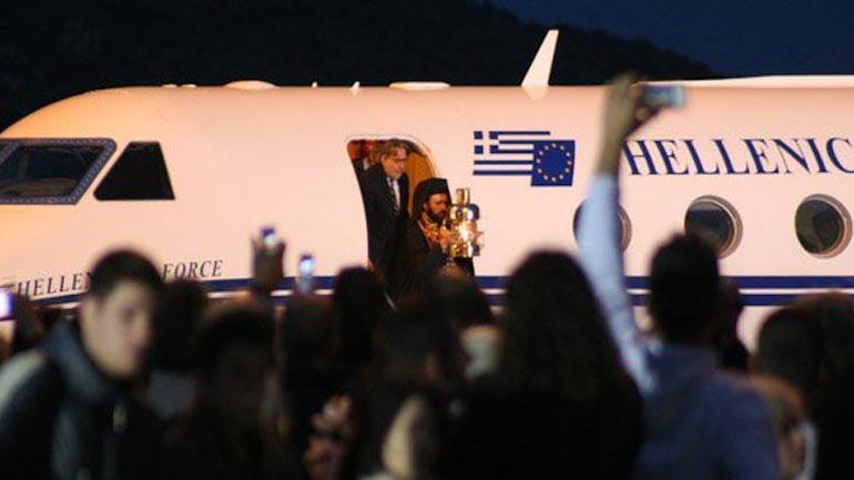 Πόσο κοστίζει η μεταφορά του Αγίου Φωτός στο Ελληνικό Δημόσιο;