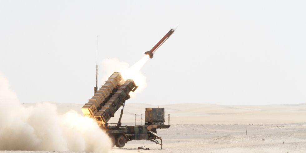 """Ο """"άγνωστος"""" πυραυλικός πόλεμος που μαίνεται στη Μέση Ανατολή και η συμβολή των Patriot"""