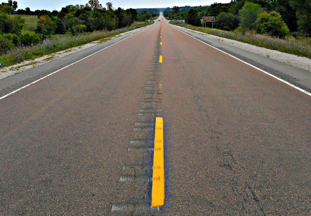 FACUA insta a Fomento a arreglar la carretera nacional 632 a su paso por Avilés (Asturias)