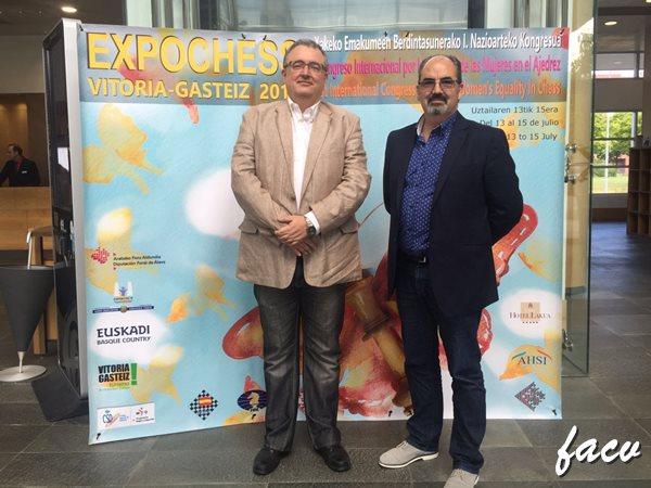 MUJER Y AJEDREZ. Luis BArona y Francisco Cuevas