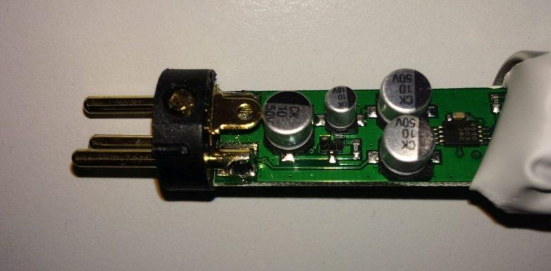 Elektronika Superlux Pink Stick ze strany součástek