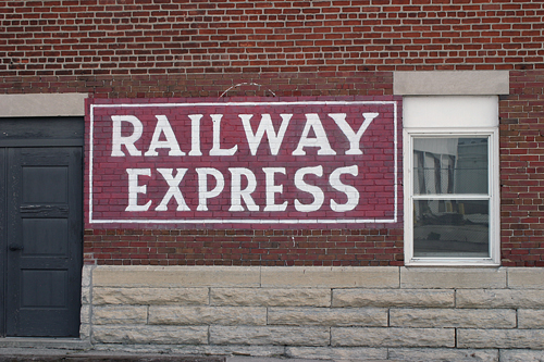 Railway Express Agency, Bob Kisken