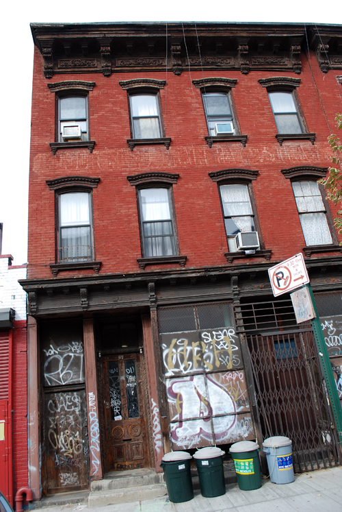 97 Montrose Avenue - © Frank H. Jump